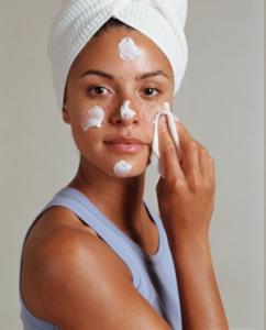 Мазна кожа на лицето