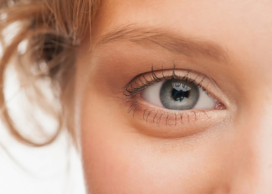 Бръчки около очите